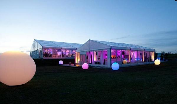 举行活动采用圆形篷房还是人字形篷房