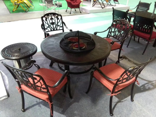 东莞铸铝桌椅